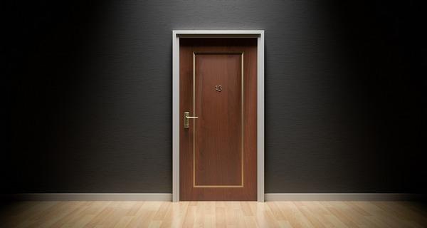 Die doppelte Haustür auf einer Website
